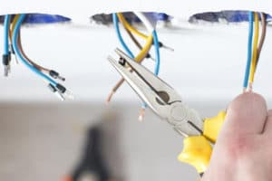 4 reasons you should always use a licensed electrician
